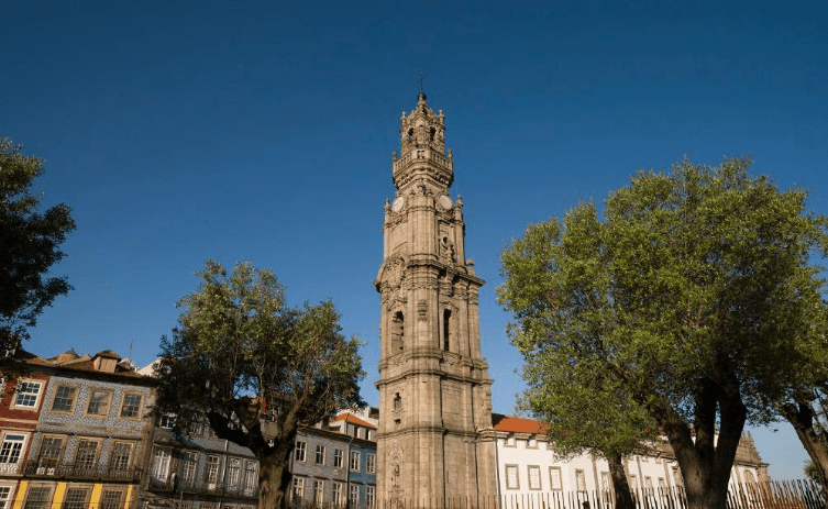torre-dos-clerigos-oporto