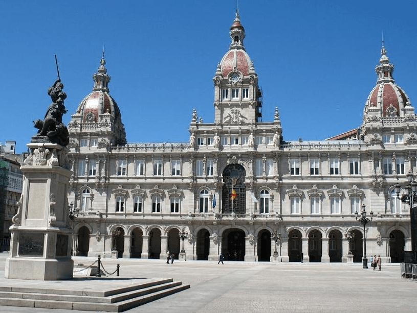 Visista la Plaza de María Pita