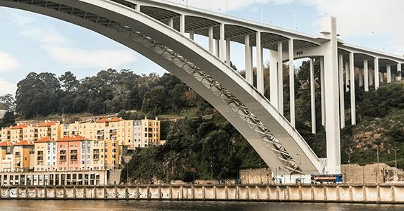 ir al Puente de Arrábida