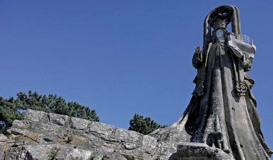 visita la virgen de la roca