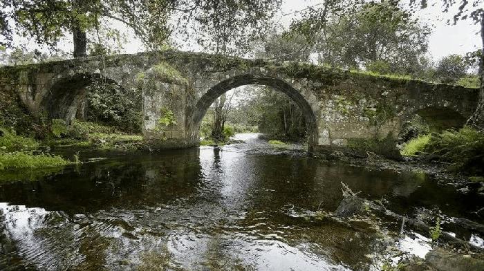Visitar el Ponte Lubiáns en Carballo