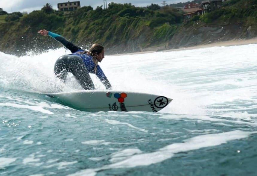 la mejor playa de galicia para surfear