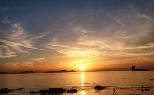 puestas de sol en galicia playas de surf
