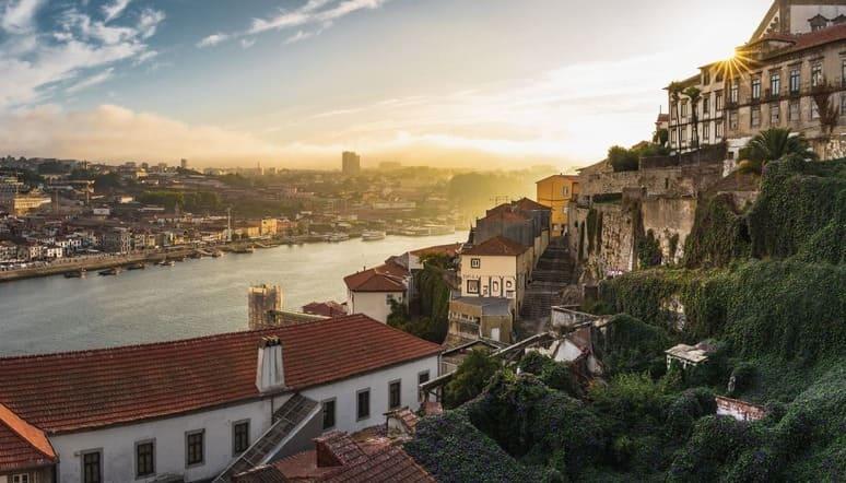 Las Festas Santos Populares y la Festa de São João do Porto